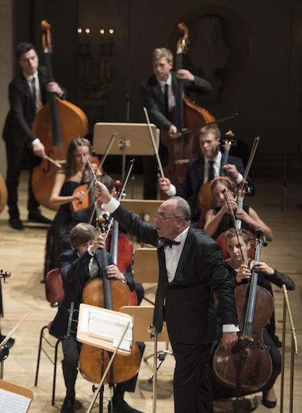 Young Euro Classic: Symphonieorchester der Tschaikowski Musikakademie Kiew